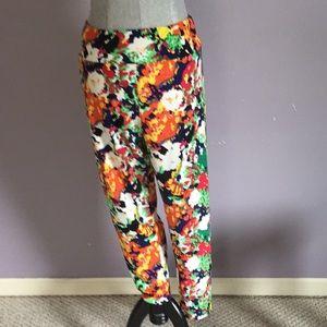 LuLaRoe TC2 (18+) leggings multi floral pattern 💐